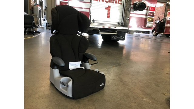 Roanoke Fire EMS Conducts Free Monthly Child Car Seat Checks