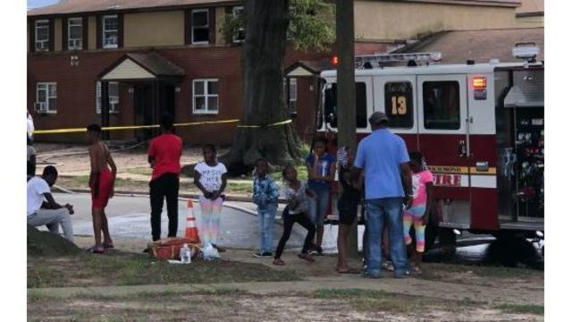 Five children jump out of burning Virginia apartment