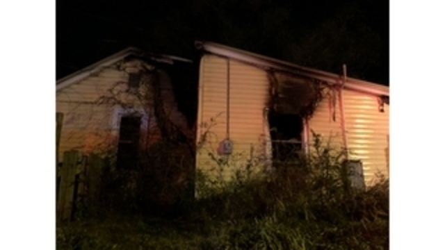 SE Roanoke man dies from injuries after rescued from house fire