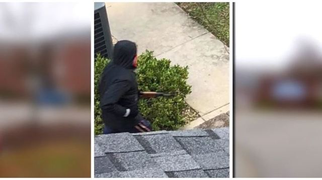 Longwood students 'lost trust' after getting late alert of masked man with AK-47 on campus